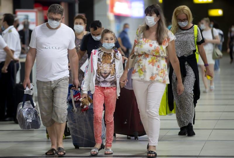 Almost 40,000 Russians flock to Turkey's Antalya