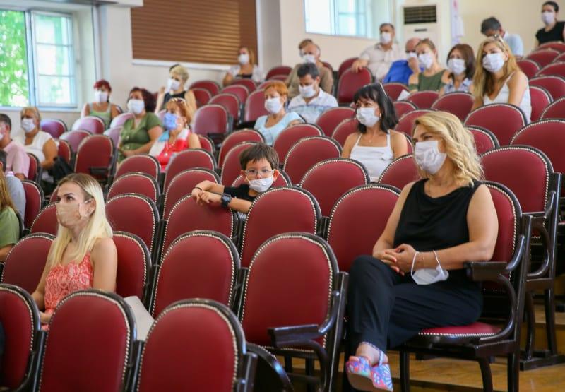 Turkish teachers returned to schools amid pandemic