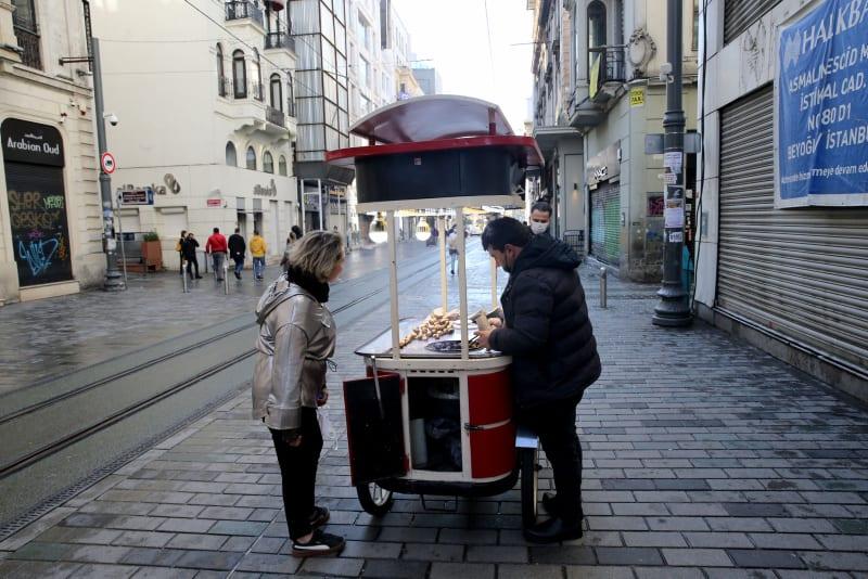 Turkey sees gradual decline in number of coronavirus patients