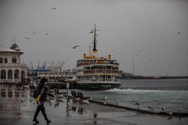 Turkey reports over 6,200 coronavirus cases