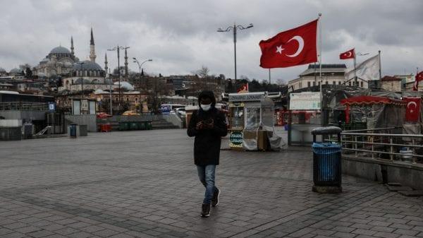 Эксперт предупреждает, что курение в Турции убивает больше людей, чем COVID-19