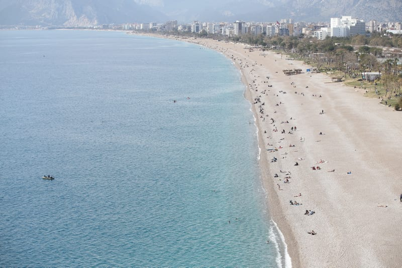 Turkey to demand negative PCR test from tourists until April 15