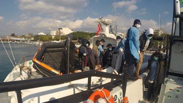 Турция призвала власти Греции прекратить притеснения мигрантов