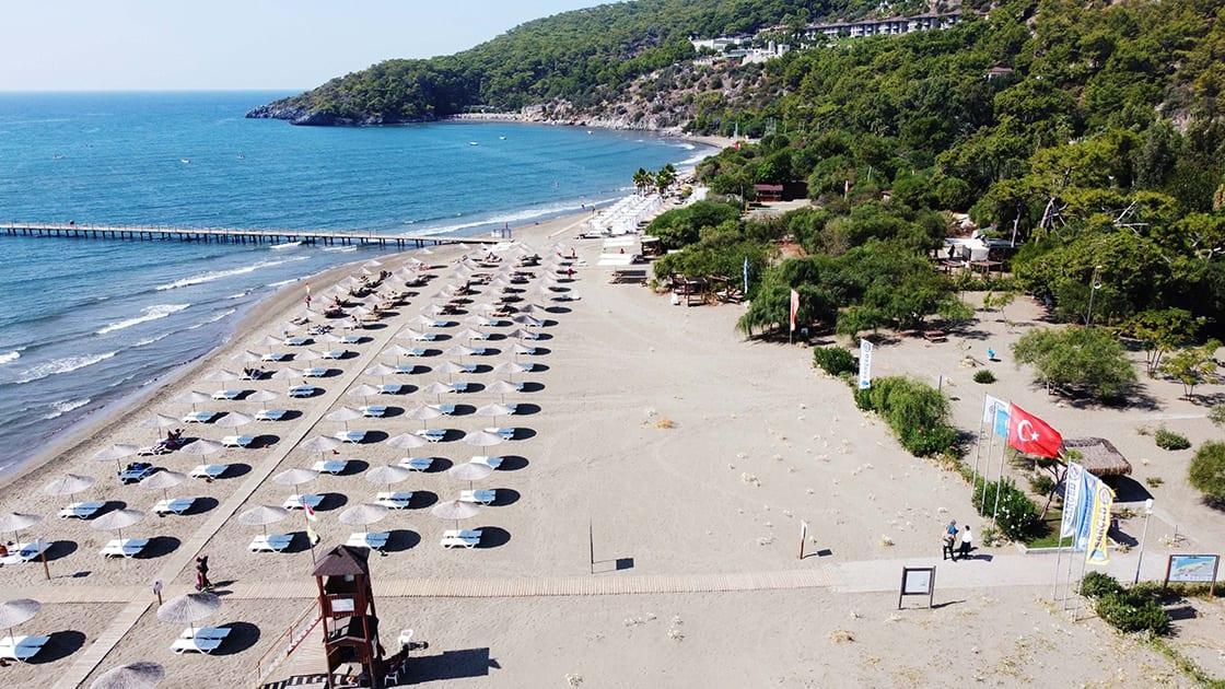 Tourists from Ukraine arrive in Turkish resorts
